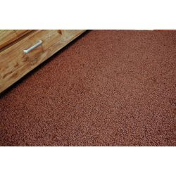 Fitted carpet SPHINX 92 brown